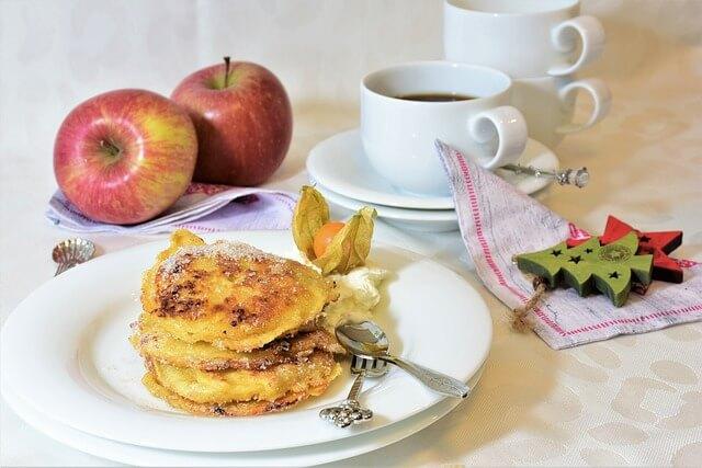 jak zrobić racuchy z jabłkami bez drożdży