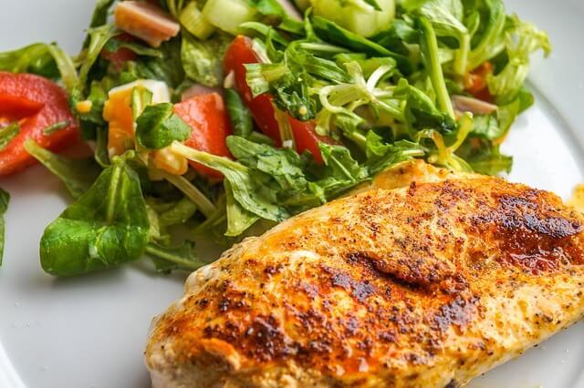 pierś z kurczaka z warzywami
