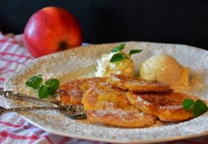 przepis na placki z jabłkami